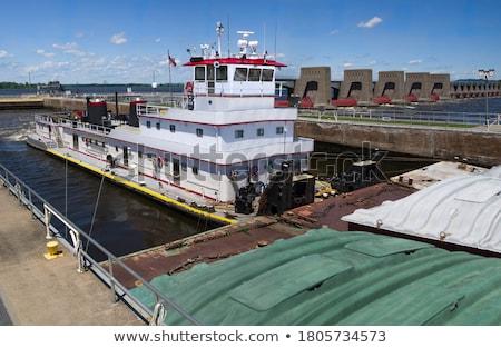 Tre barche movimento nave canale lock Foto d'archivio © Trigem4