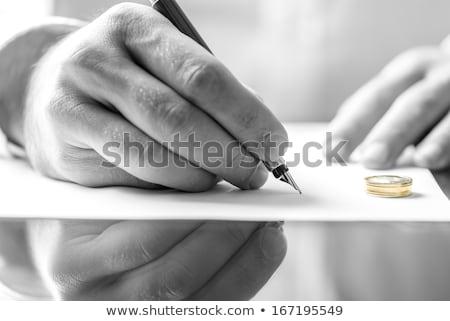 masculino · mão · assinatura · divórcio · documentos - foto stock © geniuskp