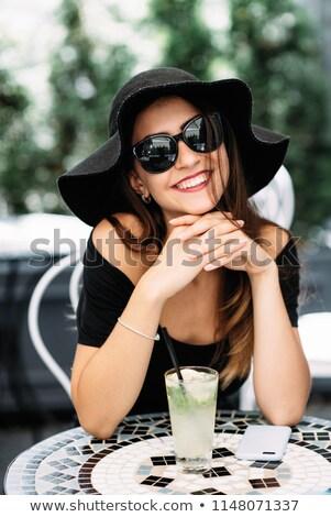 Bastante mulher jovem cal foto feliz otimista Foto stock © deandrobot