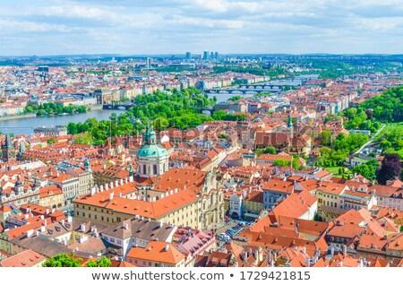 renkli · evler · Prag · tipik · kırmızı · çatılar - stok fotoğraf © tannjuska