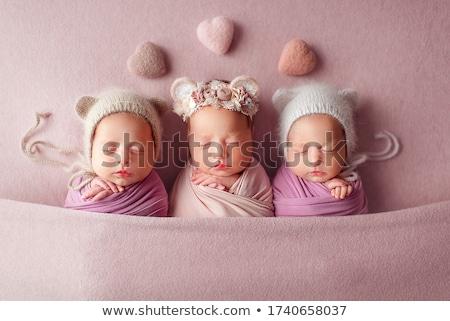 Adorable bebé pequeño manta cara Foto stock © taden