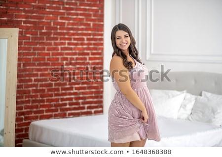 幸せ 小さな プラスサイズ 女性 ポーズ ピンク ストックフォト © dolgachov