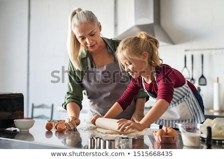 Pronipote nonna cucina donna ragazza bambino Foto d'archivio © wavebreak_media