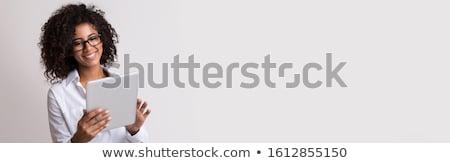 Сток-фото: женщину · цифровой · таблетка · стороны · белый · экране