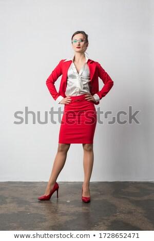 üzletasszony agresszív hozzáállás néz kamera üzlet Stock fotó © Kzenon