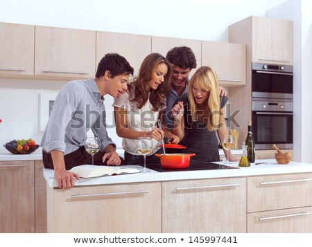 groep · jonge · vrienden · ontbijt · moderne · keuken - stockfoto © monkey_business