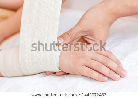 Mano médico ayudar vendaje medicina enfermera Foto stock © Klinker