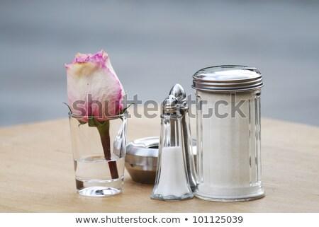 Sacudidor cinzeiro metálico tabela Foto stock © manfredxy