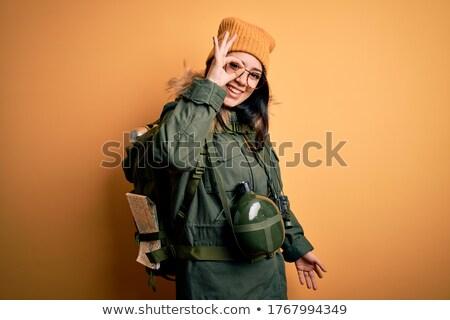 Sorridente morena andarilho olhando binóculo natureza Foto stock © wavebreak_media