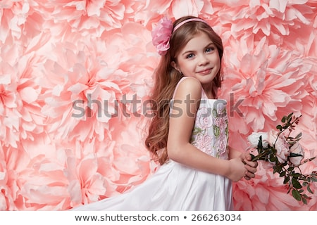 Meisje roze shorts illustratie glimlach kind Stockfoto © bluering
