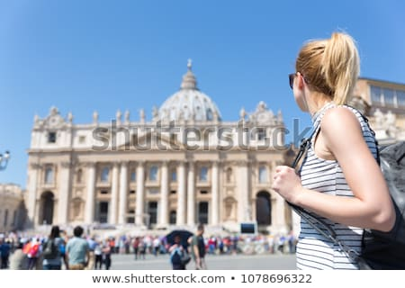 Vrouw Sint-Pietersbasiliek opgewonden vaticaan gelukkig reizen Stockfoto © AndreyPopov