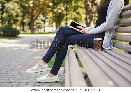 Foto stock: Mujer · aire · libre · cuaderno · ordenador · tecnología · compras