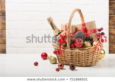 champagne · fles · bril · geschenk · geïsoleerd · witte - stockfoto © karandaev