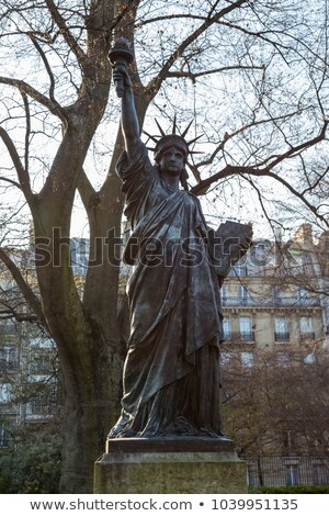 Standbeeld vrijheid sculptuur Luxemburg Parijs eerste Stockfoto © chrisdorney