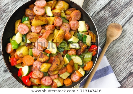 grillowany · kiełbasy · warzyw · selektywne · focus · żywności - zdjęcia stock © tycoon