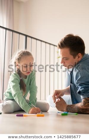 Curioso pai filha quadro sério Foto stock © pressmaster