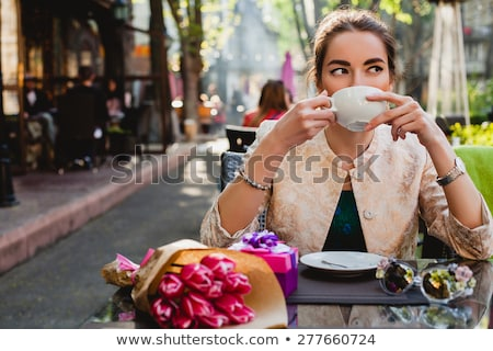 Moda kadın şık kat oturma bank Stok fotoğraf © dariazu
