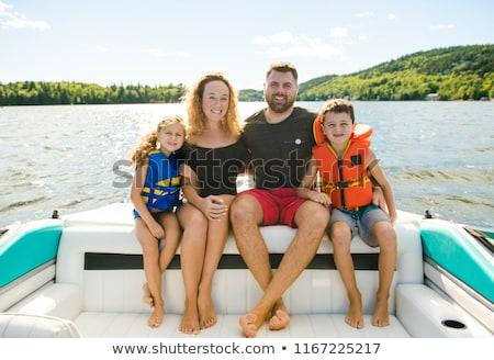 Familie uit spelevaren samen man Stockfoto © Lopolo