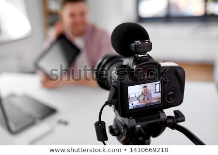 Mannelijke blogger bloggen mensen camera Stockfoto © dolgachov