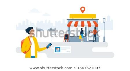 女性実業家 · スマートフォン · 徒歩 · 通り · 小さな · タウン - ストックフォト © adamr