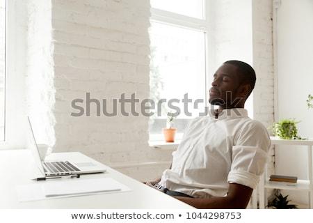 bell'uomo · bianco · schermo · uomo · sorridere - foto d'archivio © wavebreak_media