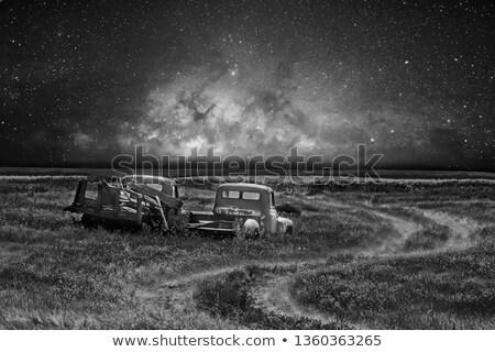 Stock fotó: öreg · régi · autó · mező · Saskatchewan