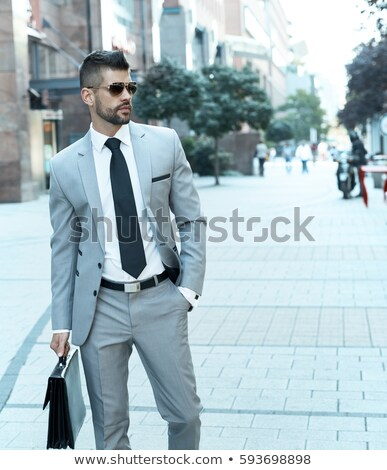 zakenman · werken · computer · spreken · mobiele · telefoon · water - stockfoto © deandrobot