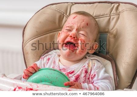 Salissant sale bébé manger casse-croûte pleurer Photo stock © Lopolo