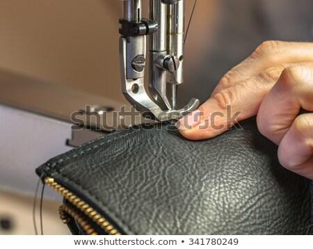 Reißverschluss Leder Nähmaschine Schulter Ansicht Hipster Stock foto © pressmaster