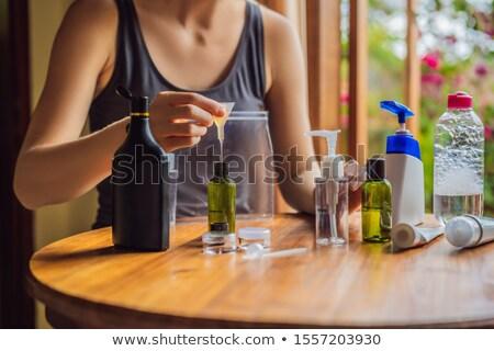 Vrouw toiletartikelen home schoonheid bed Stockfoto © photography33