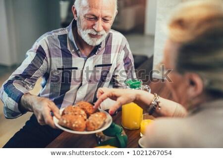 retrato · altos · hombre · desayuno · feliz · sesión - foto stock © photography33