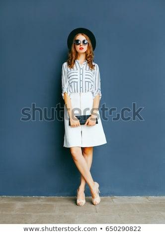çekici kız siyah beyaz etek stil şapka çekici Stok fotoğraf © fotoduki