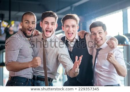 Znajomych alkoholu Licznik człowiek szczęśliwy hotel Zdjęcia stock © wavebreak_media