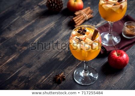 sıcak · elma · elma · şarabı · tarçın · baharatlar · düşmek - stok fotoğraf © furmanphoto