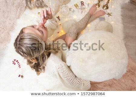 еды конфеты тростник попкорн Рождества женщины Сток-фото © lovleah