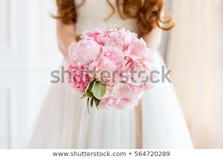 Bruiden boeket jurk details witte bloem arrangement Stockfoto © KMWPhotography