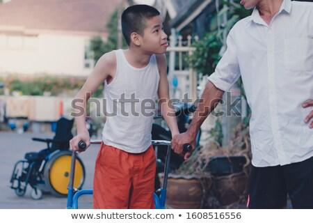 szczęśliwy · etnicznych · rodziny · spaceru · parku - zdjęcia stock © jarenwicklund