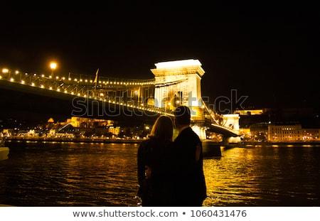 любящий · пару · цепь · моста · Будапешт · Венгрия - Сток-фото © boggy