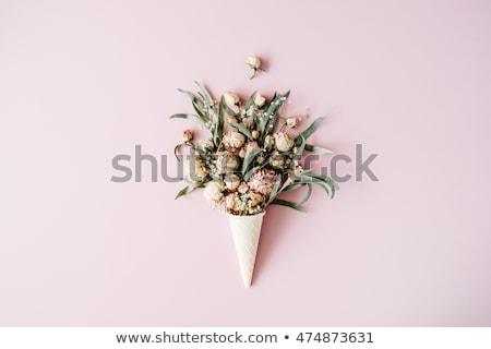Virágcsokor virágok waffle kúp rózsaszín felső Stock fotó © Illia