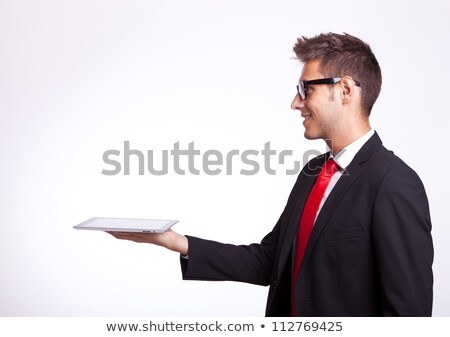 Iş adamı tablet üzerinde yandan görünüş Stok fotoğraf © feedough