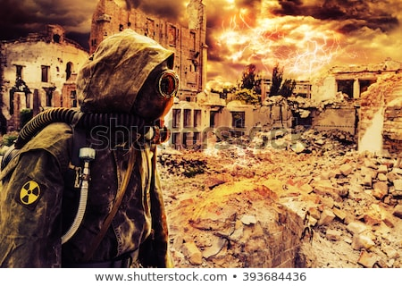 Post apocalyptische overlevende gasmasker vernietigd stad Stockfoto © stokkete