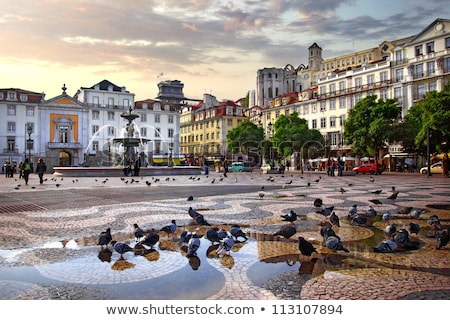 arco · calle · comercio · cuadrados · Lisboa · paisaje · urbano - foto stock © dinozzaver