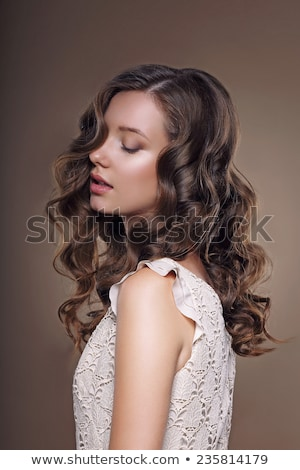 Sonhador morena retrato mulher branco cadeira Foto stock © lithian