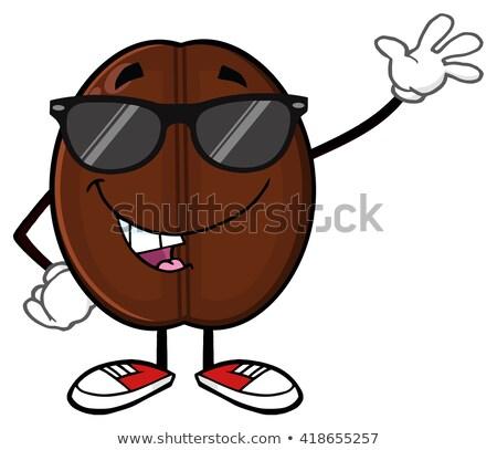 Amuzant bob de cafea mascota de desene animate ochelari de soare Imagine de stoc © hittoon