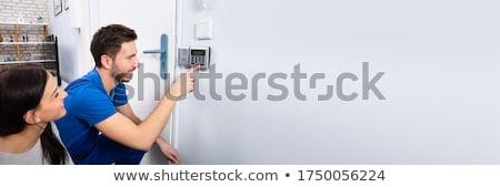 man · veiligheid · deur · sensor - stockfoto © andreypopov