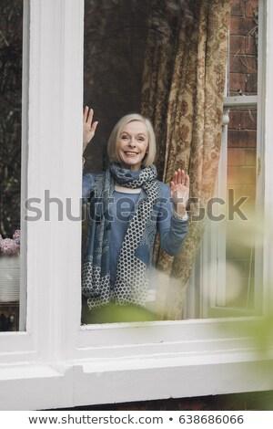 Vrouw vaarwel een vrouw bril trein Stockfoto © photography33