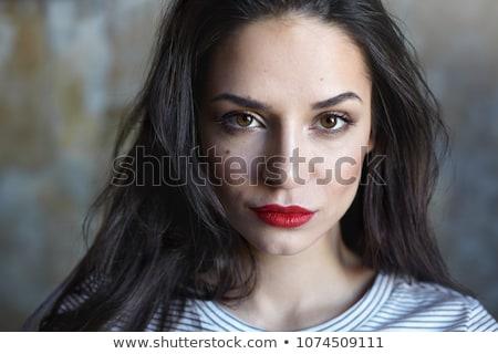 mulher · lábios · vermelhos · marrom · cabelos · longos · câmera - foto stock © wavebreak_media