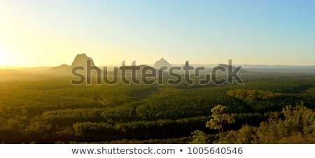 Huis bergen berg landschap kleurrijk bos Stockfoto © vrvalerian