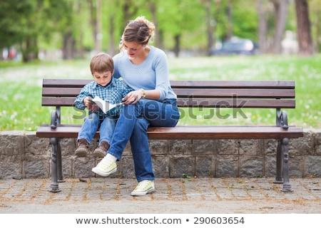 reñir · nino · nina · sentarse · banco · madera - foto stock © paha_l