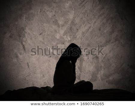 Triest eenzaam meisje naast muur kid Stockfoto © Lopolo